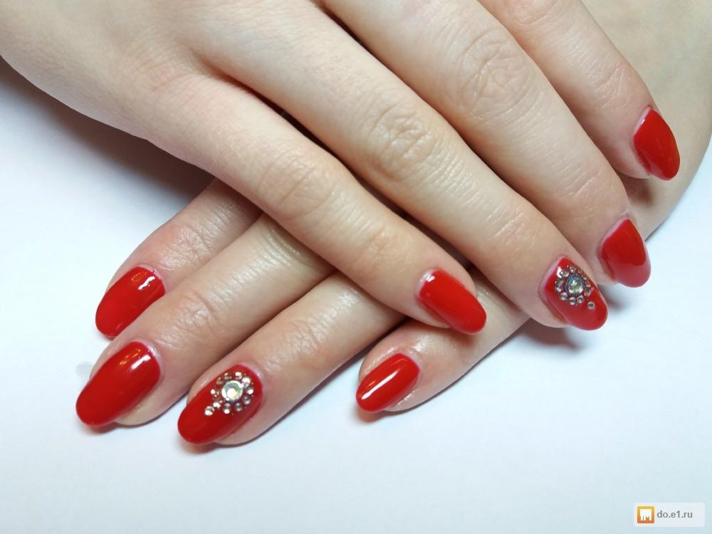 Дизайн нарощенных ногтей однотонный