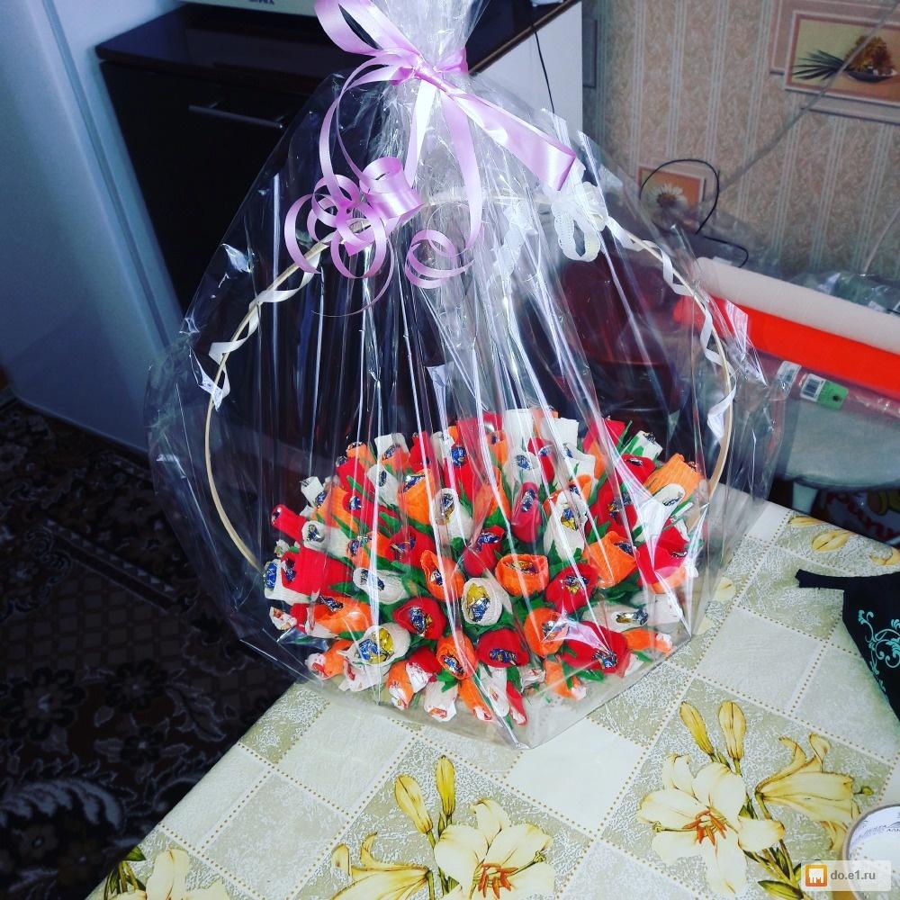 Подарки из конфет и гофрированной бумаги 467