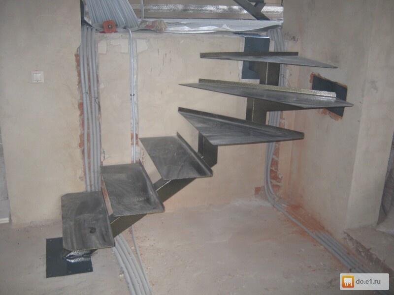 Лестница на второй этаж своими руками из металла с поворотом 93