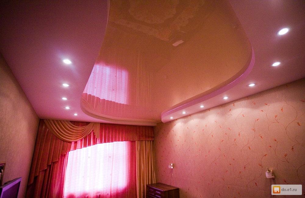 Потолок в комнате фото
