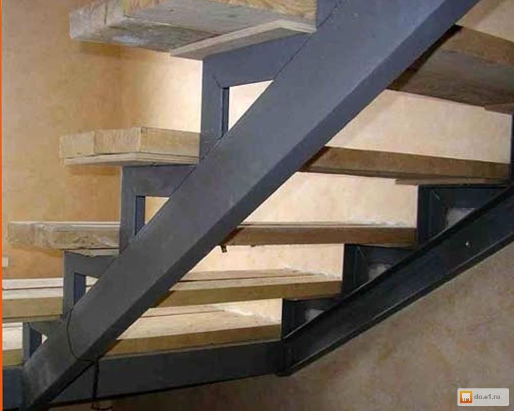 Лестница на второй этаж своими руками из металла с поворотом 80