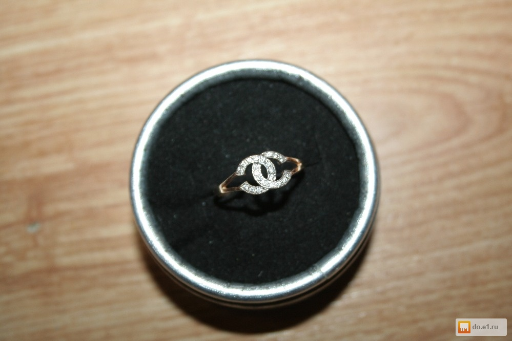 Кольцо со знаком шанель