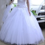 Продам свадебное платье, фату и подъюбник с жесткими кольцам, Екатеринбург