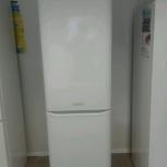 Холодильник Ariston в хорошем рабочем состоянии., Екатеринбург