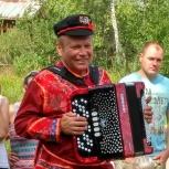Баянист поющий с итальянским аккордеоном., Екатеринбург