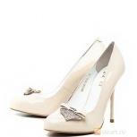 Свадебные туфли Moda Donna 38 р-р, бежевые, лакированная кожа, Екатеринбург