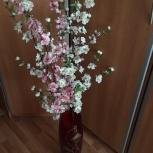 Искусственные цветы в шикарной стеклянной вазе с золотыми узорами, Екатеринбург