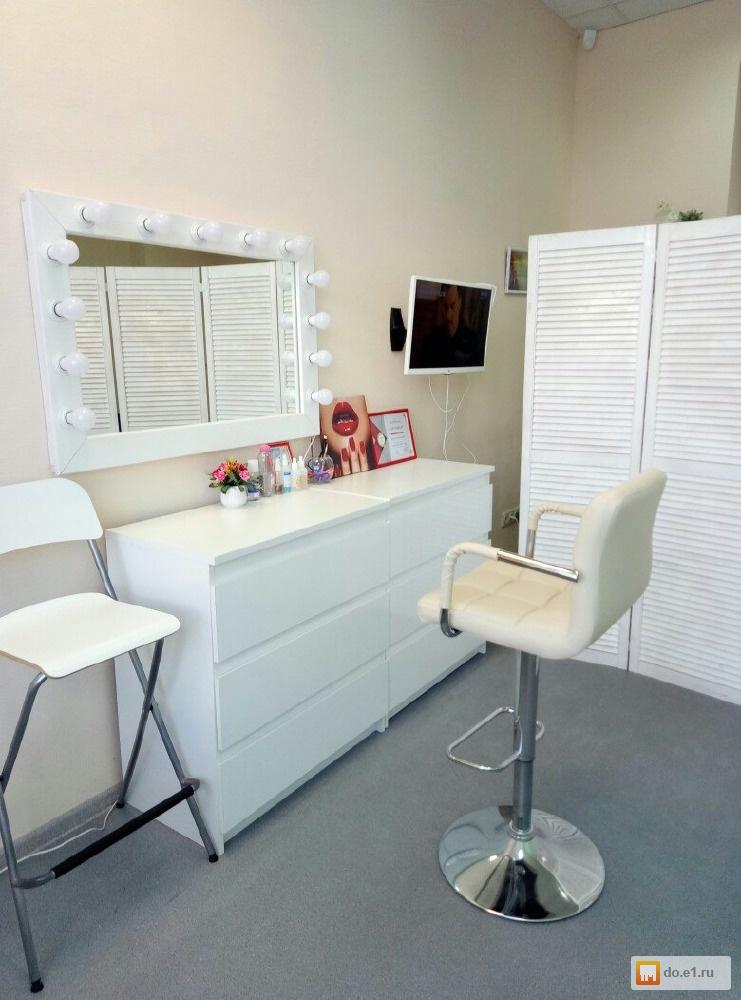 фото рабочего места мастера бровиста пристроенная дому