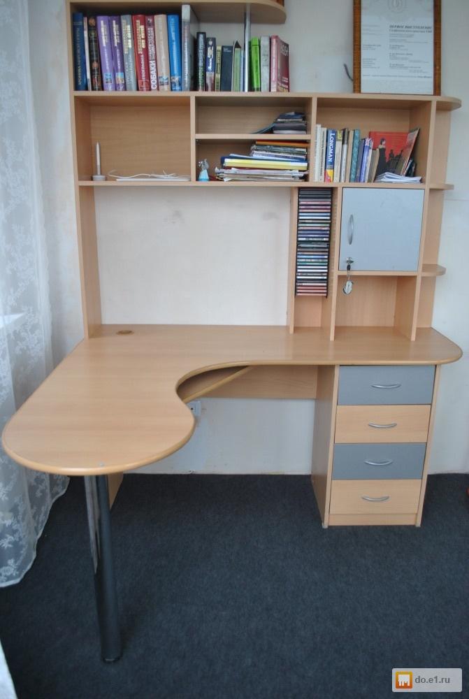 Стол школьный письменный б/у, фото. цена - 2500.00 руб., ека.